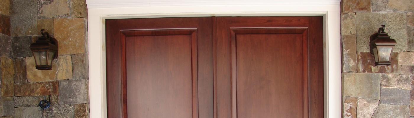 Ustanovka vhodnyh dverej v Tule 1400 400